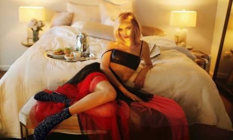 Η ημίγυμνη φωτογράφιση της Κάρα που θα σε στείλει για ύπνο γλυκό!