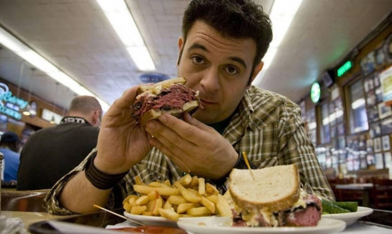 Αν τρως αυτές τις 7 τροφές δεν πρόκειται να χάσεις ΠΟΤΕ κιλά!
