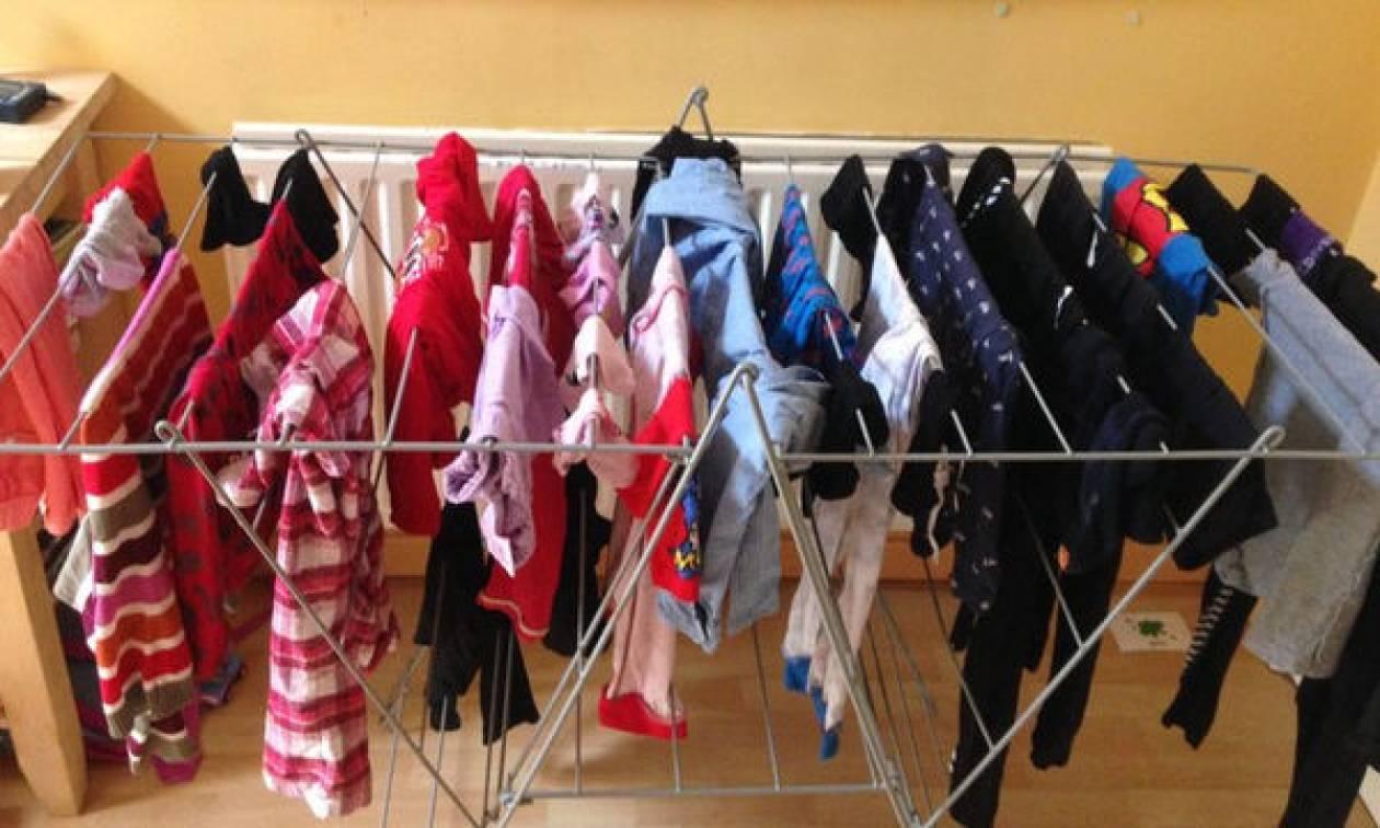 Στέγνωμα ρούχων μέσα στο σπίτι: Ποιοι είναι οι σοβαροί κίνδυνοι για την υγεία