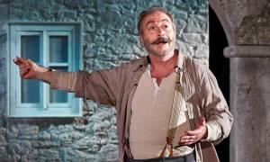Αλέξης Ζορμπάς, με τον Γρηγόρη Βαλτινό στο Θέατρο Βέμπο