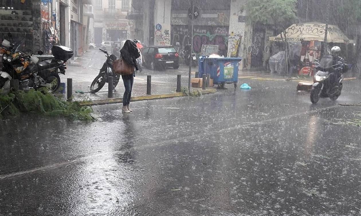Καιρός - Καλλιάνος: Καταιγίδες «κατά ριπάς» - Ποιες περιοχές θα χτυπήσουν