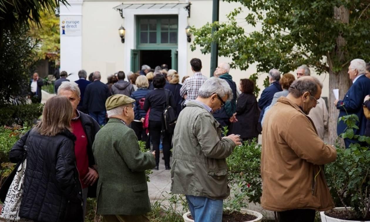 Εκλογές Κεντροαριστερά: «Έσπασε» το φράγμα των 200 χιλιάδων – Ουρές στα εκλογικά κέντρα