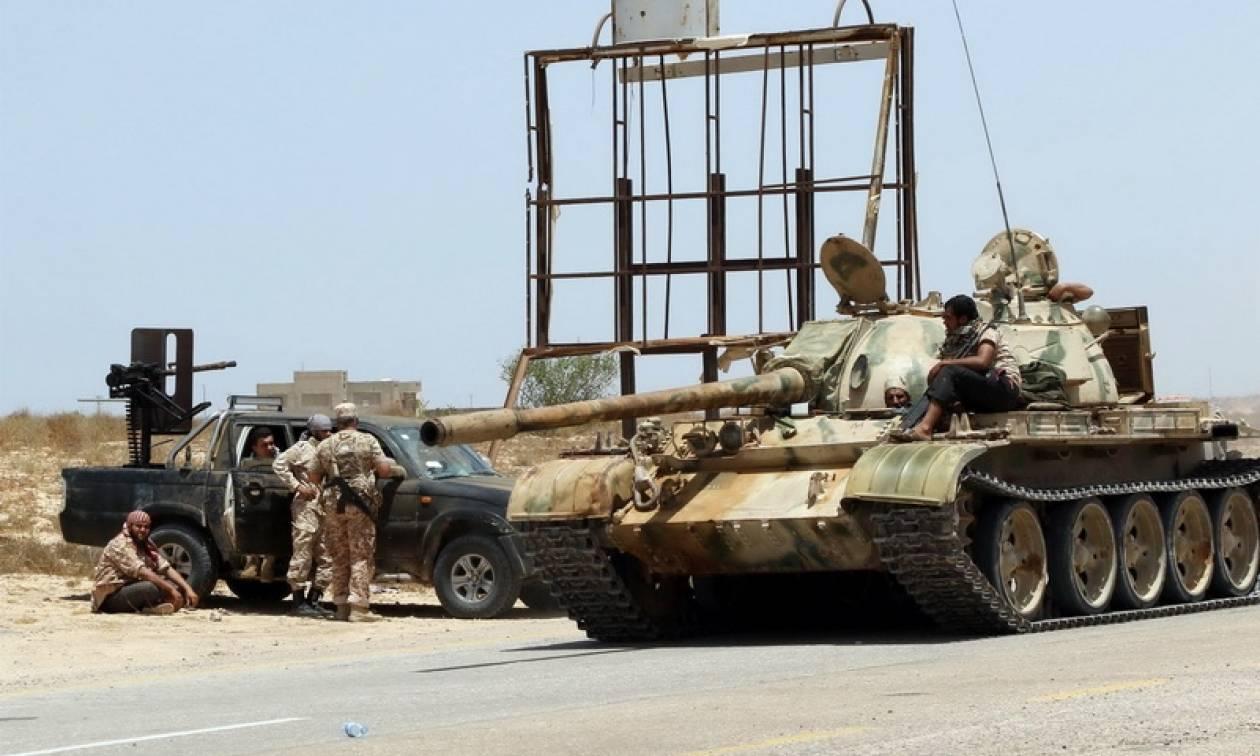 Λιβύη: Βρέθηκαν 28 πτώματα έπειτα από συγκρούσεις κοντά στην Τρίπολη