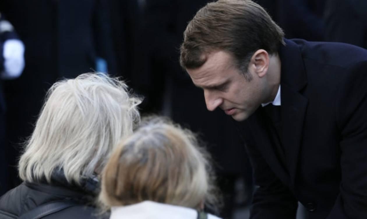 Ο Μακρόν τίμησε τους νεκρούς των τρομοκρατικών επιθέσεων στο Παρίσι