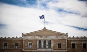 Bloomberg: Έπαινοι για τις μεταρρυθμίσεις στην Ελλάδα