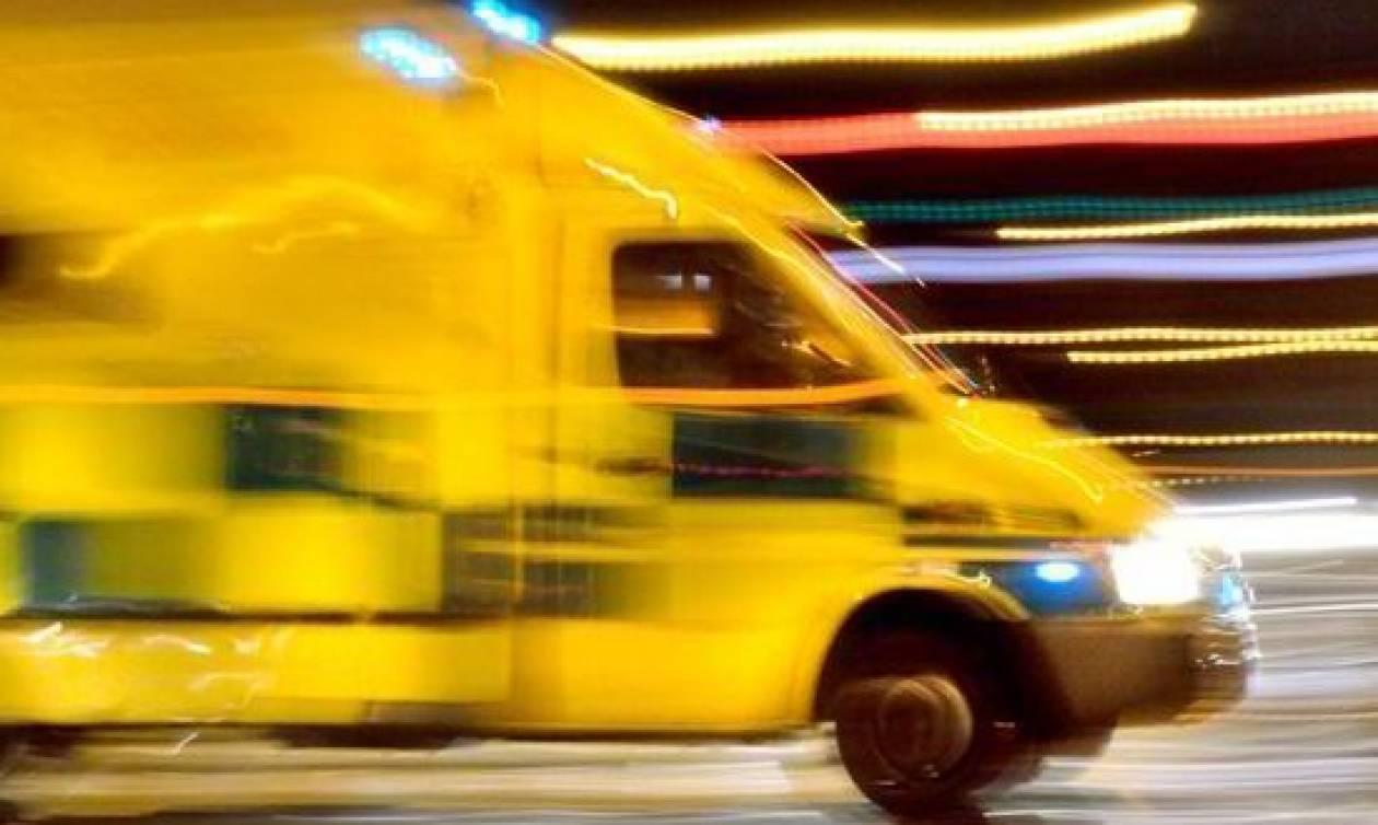 Απίστευτο περιστατικό: Οδηγός έβρισε τραυματιοφορέα γιατί... έκλεισε με το ασθενοφόρο το δρόμο (vid)