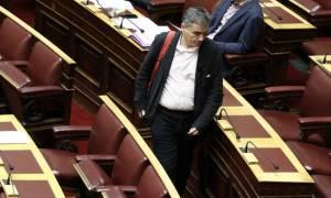 Κοινωνικό μέρισμα: Με τη μορφή του κατεπείγοντος στη Βουλή