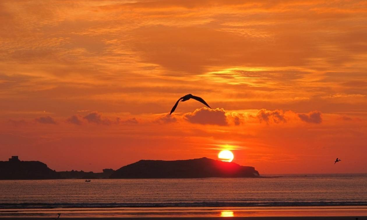 Το γνωρίζατε; Γιατί το χρώμα του ουρανού είναι μπλε και το ηλιοβασίλεμα κόκκινο;