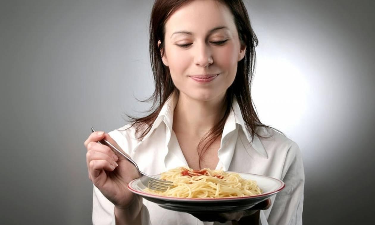 Το αργό μάσημα του φαγητού προστατεύει από το πάχος και το μεταβολικό σύνδρομο