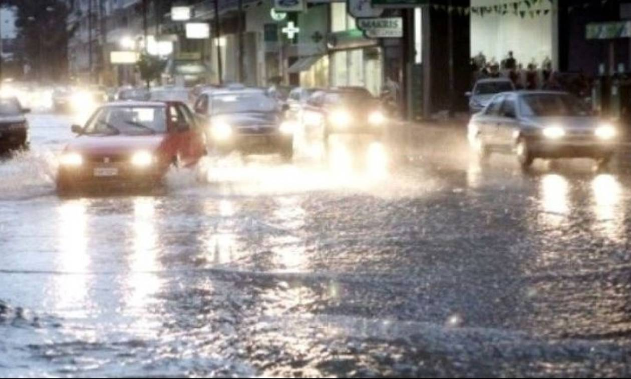 Πλημμύρες και κλειστοί δρόμοι στη Θεσσαλονίκη (pic)