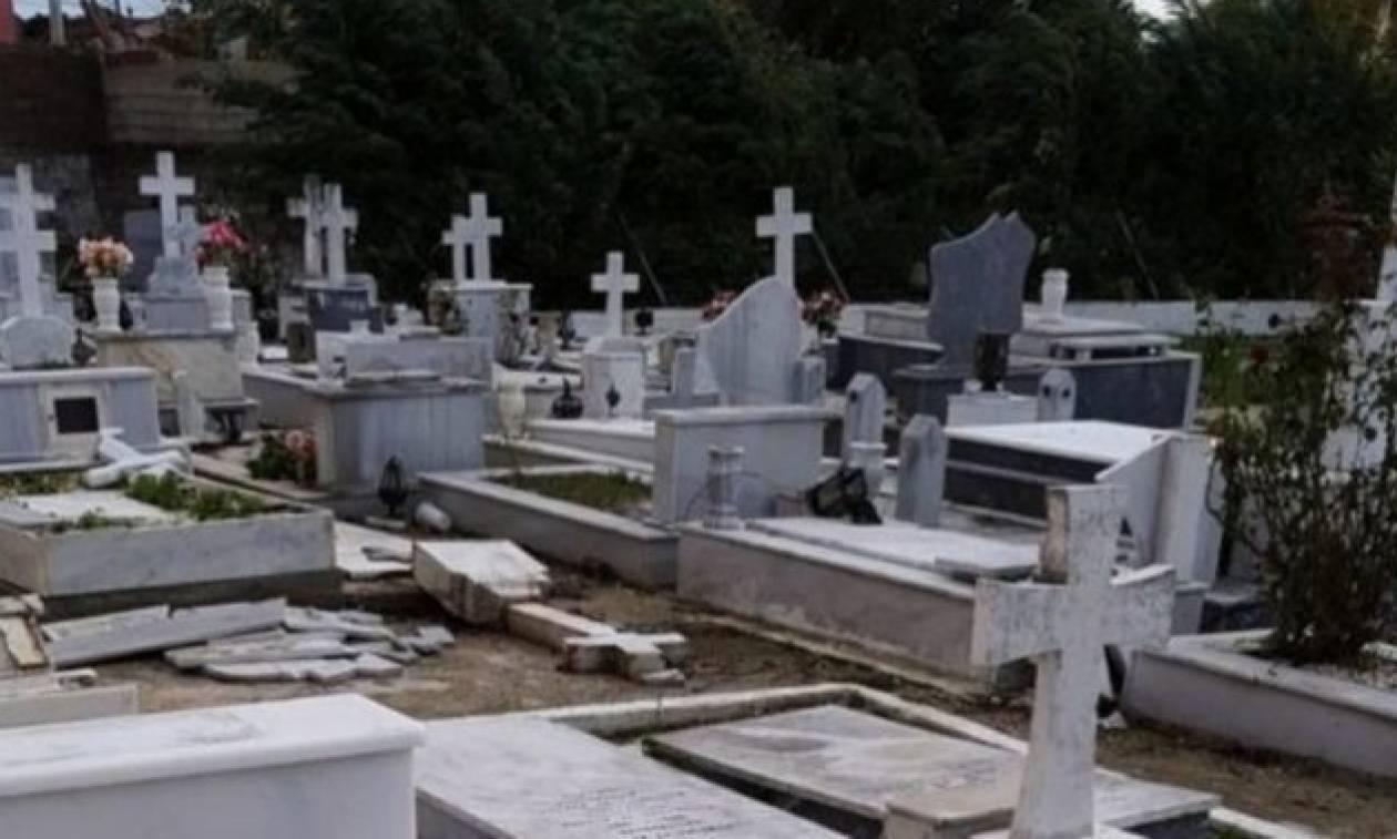 Εικόνες «Αποκάλυψης» στους Γαργαλιάνους: Ο ανεμοστρόβιλος άνοιξε τους τάφους! (pic+video)