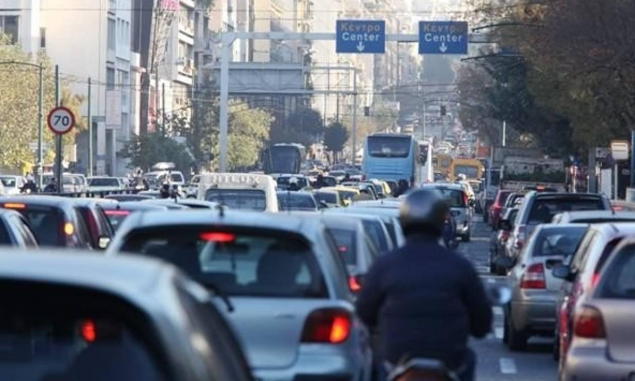 ΤΩΡΑ: Κυκλοφοριακό χάος στην Αθήνα – Ποιους δρόμους να αποφύγετε