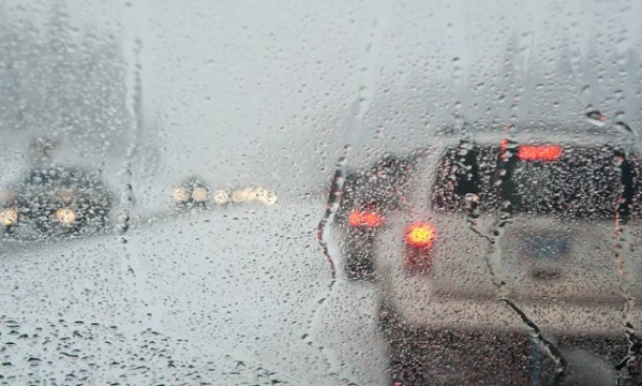 Καιρός ΤΩΡΑ: Ισχυρή βροχόπτωση στην Αττική