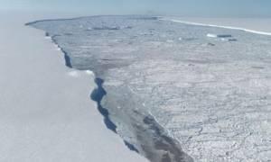 Εντυπωσιακές εικόνες από το γιγάντιο παγόβουνο που αποκολλήθηκε στην Ανταρκτική