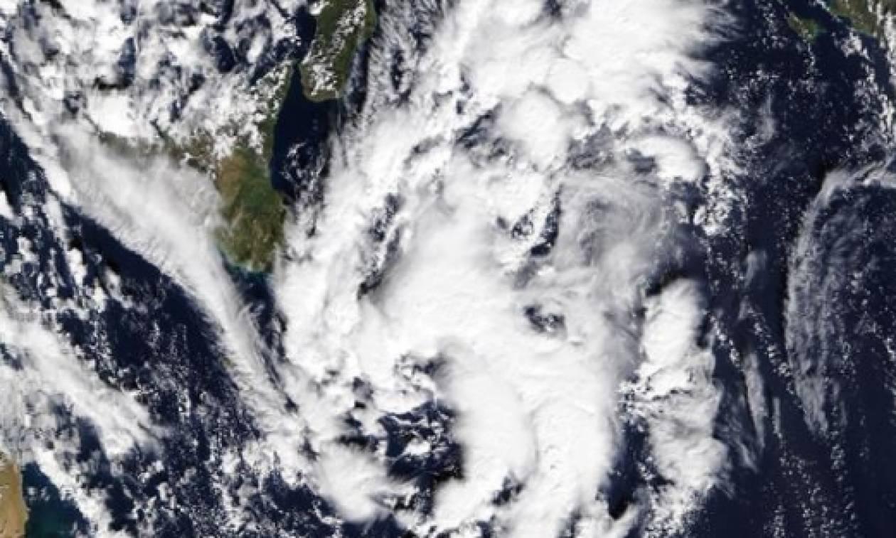 Δείτε πώς αρχίζει να σχηματίζεται ο κυκλώνας «Ζήνων» από το δορυφόρο της NASA (photo)