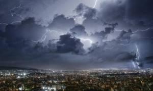 ΤΩΡΑ: Ισχυρή βροχόπτωση στην Αττική – Πλήττονται ξανά Μάνδρα και Νέα Πέραμος