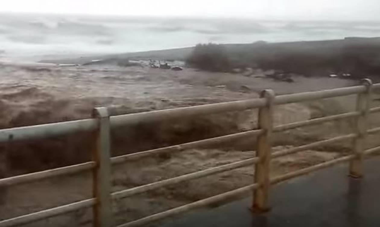 Κακοκαιρία: Κινδύνευσαν άνθρωποι στη Λάρισα - Πλημμύρισαν σπίτια (vid)