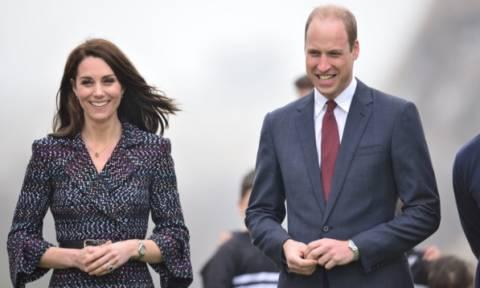 Ο πρίγκιπας William μπαίνει στην κουζίνα - Δείτε τι μαγειρεύει και δεν το τρώει η Kate Middleton
