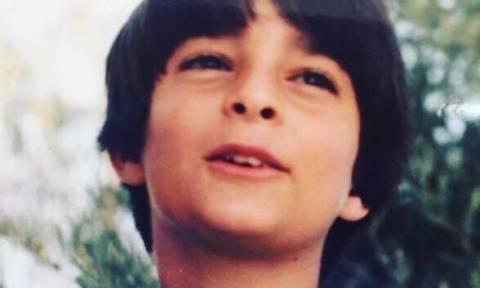 Αναγνωρίζετε τον παρουσιαστή σε παιδική ηλικία;