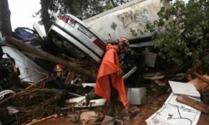 Κακοκαιρία: Χωρίς ρεύμα και νερό «παλεύουν» οι κάτοικοι της Μάνδρας