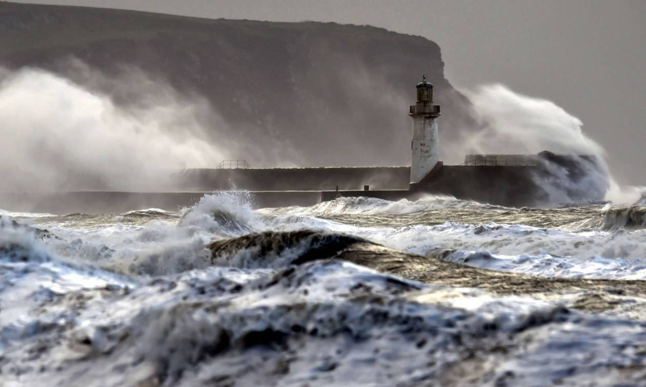 Καιρός ΤΩΡΑ: Απαγορευτικό απόπλου στο Ιόνιο - Θυελλώδεις άνεμοι 9 μποφόρ!