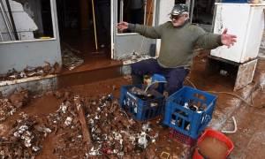 Κακοκαιρία: Αγνοείται και η ελπίδα στη Μάνδρα: Μια πόλη «φάντασμα» θρηνεί μέσα στη λάσπη