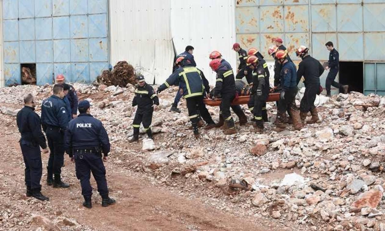 Εντοπίστηκε ακόμα μία σορός στη Μάνδρα - Στους 20 οι νεκροί της φονικής κακοκαιρίας (pics&vids)