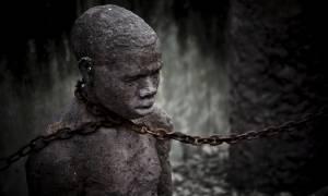 Σύγχρονος μεσαίωνας: Διεθνής κατακραυγή για τα σκλαβοπάζαρα της Λιβύης (Vids)