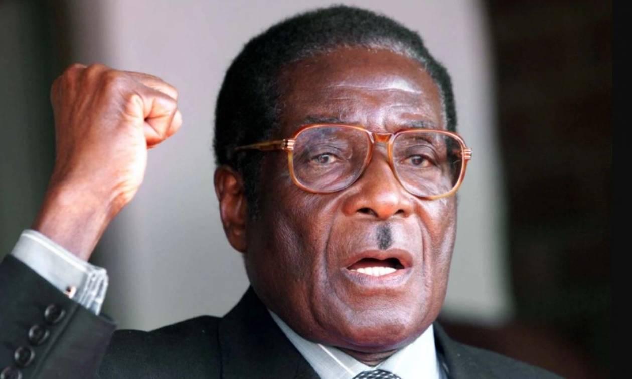 Στο «χάος» βυθίζεται η Ζιμπάμπουε: Ο Μουγκάμπε αρνείται να παραιτηθεί