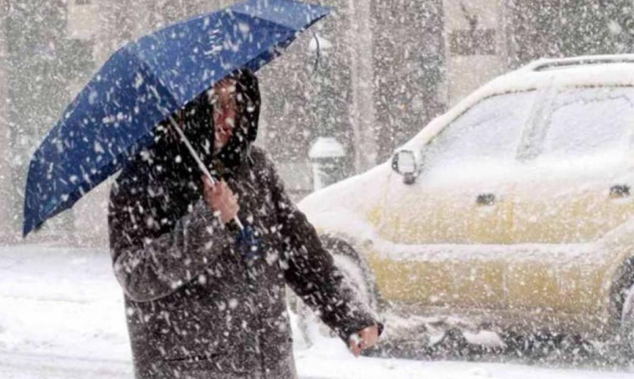 Καιρός: Κρύο και χιόνια τη Δευτέρα – Πού θα το στρώσει