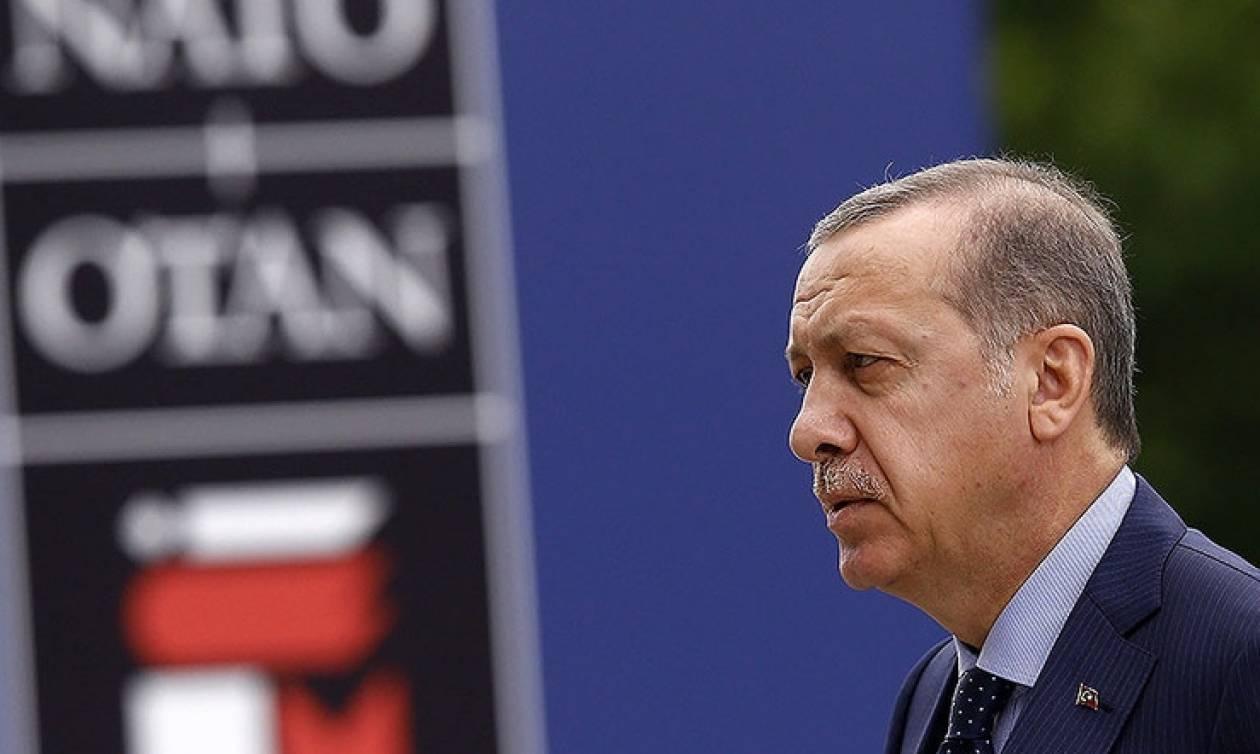 Έξαλλος ο Ερντογάν: Η Τουρκία έτοιμη να εγκαταλείψει το ΝΑΤΟ;