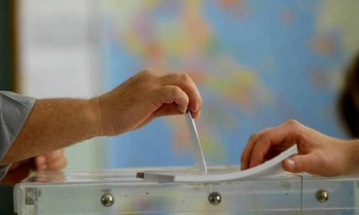 Δημοσκόπηση: 12 μονάδες μπροστά η ΝΔ από τον ΣΥΡΙΖΑ - Ποια κόμματα μένουν εκτός Βουλής