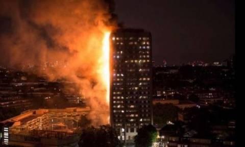Μεγάλη πυρκαγιά σε συγκρότημα διαμερισμάτων στο Λονδίνο