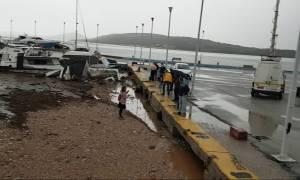 Πλημμύρες: Άμεση η αποκατάσταση των ζημιών στο λιμάνι της Νέας Περάμου