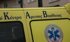 Σφοδρή σύγκρουση οχημάτων στο κέντρο της Αθήνας – Εγκλωβίστηκε οδηγός