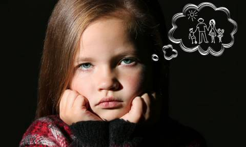 Γιατί ο διαζευγμένος γονιός δεν πρέπει να θέτει στο παιδί του δίλημμα αφοσίωσης