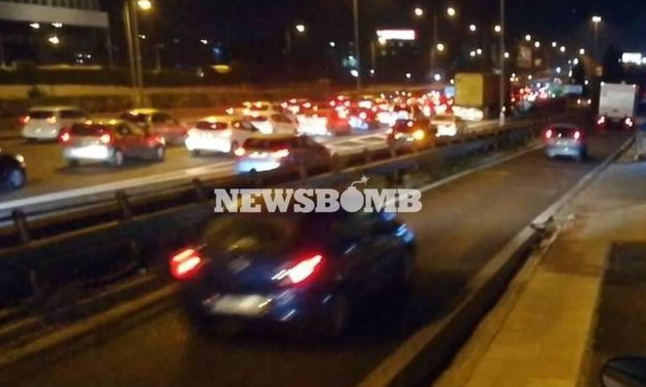ΤΩΡΑ: Κυκλοφοριακό χάος στον Κηφισό – Μποτιλιάρισμα στο κέντρο