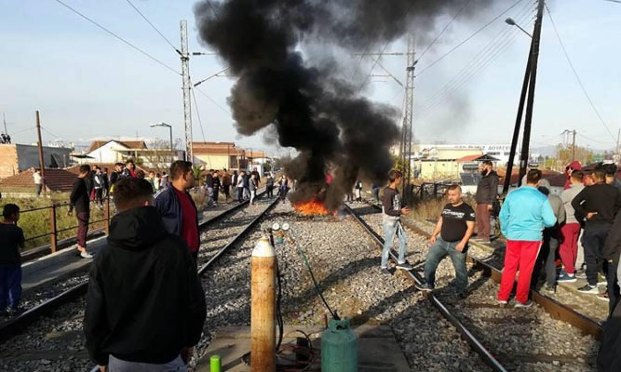 Λάρισα: Αποχώρησαν οι κάτοικοι που είχαν καταλάβει τις σιδηροδρομικές γραμμές