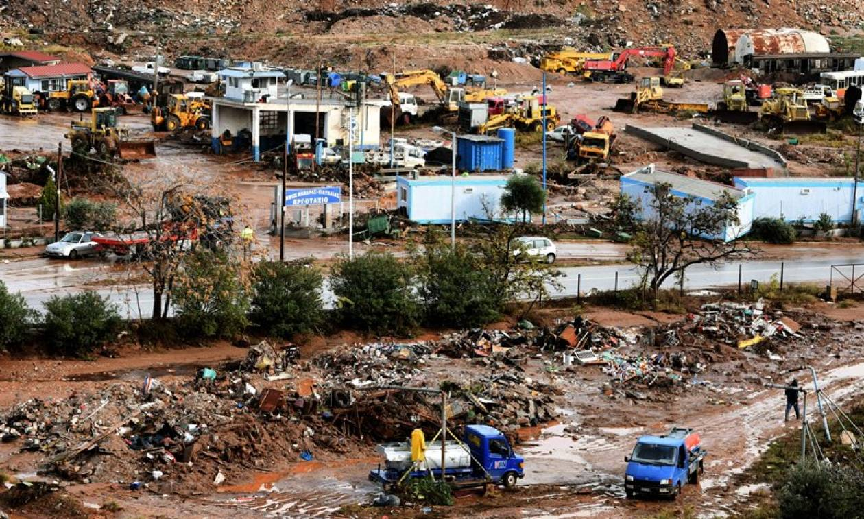 Πλημμύρες Μάνδρα: Φόβοι για περισσότερους νεκρούς από τη θεομηνία