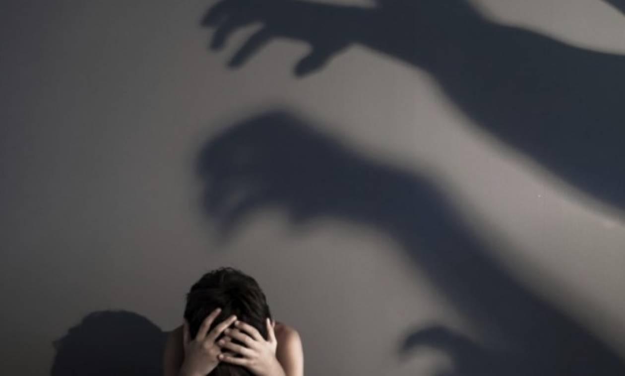 Φρίκη σε αποθήκη στην Αθήνα: Ανήλικοι βίαζαν 14χρονο ΑμΕΑ
