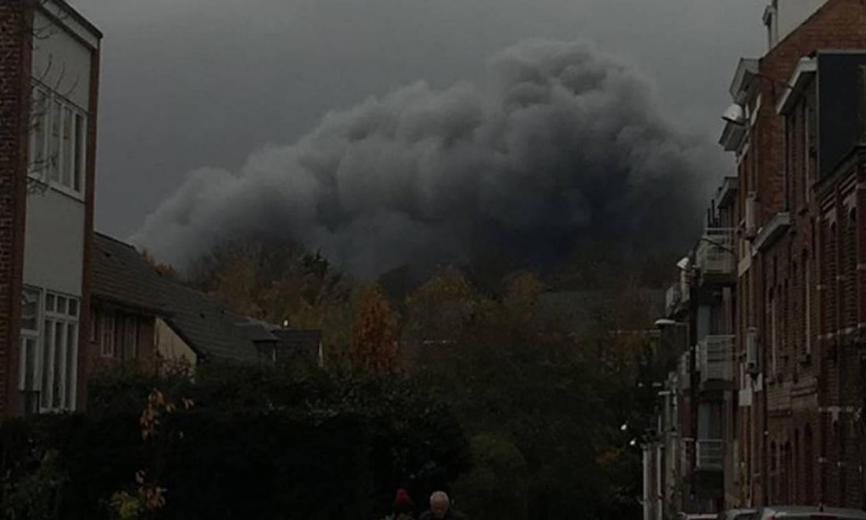 Τεράστιο σύννεφο μαύρου καπνού «έπνιξε» τις Βρυξέλλες (Vids)