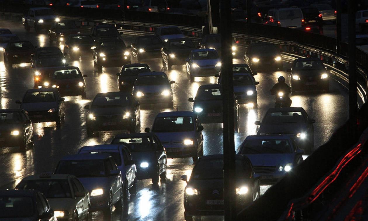 ΤΩΡΑ: Καραμπόλα 4 αυτοκινήτων στον Κηφισό – Ουρές χιλιομέτρων