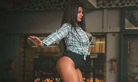 Αυτή είναι η Ελληνίδα χορεύτρια με την πιο… κολασμένη πίσω κίνηση! (pics)