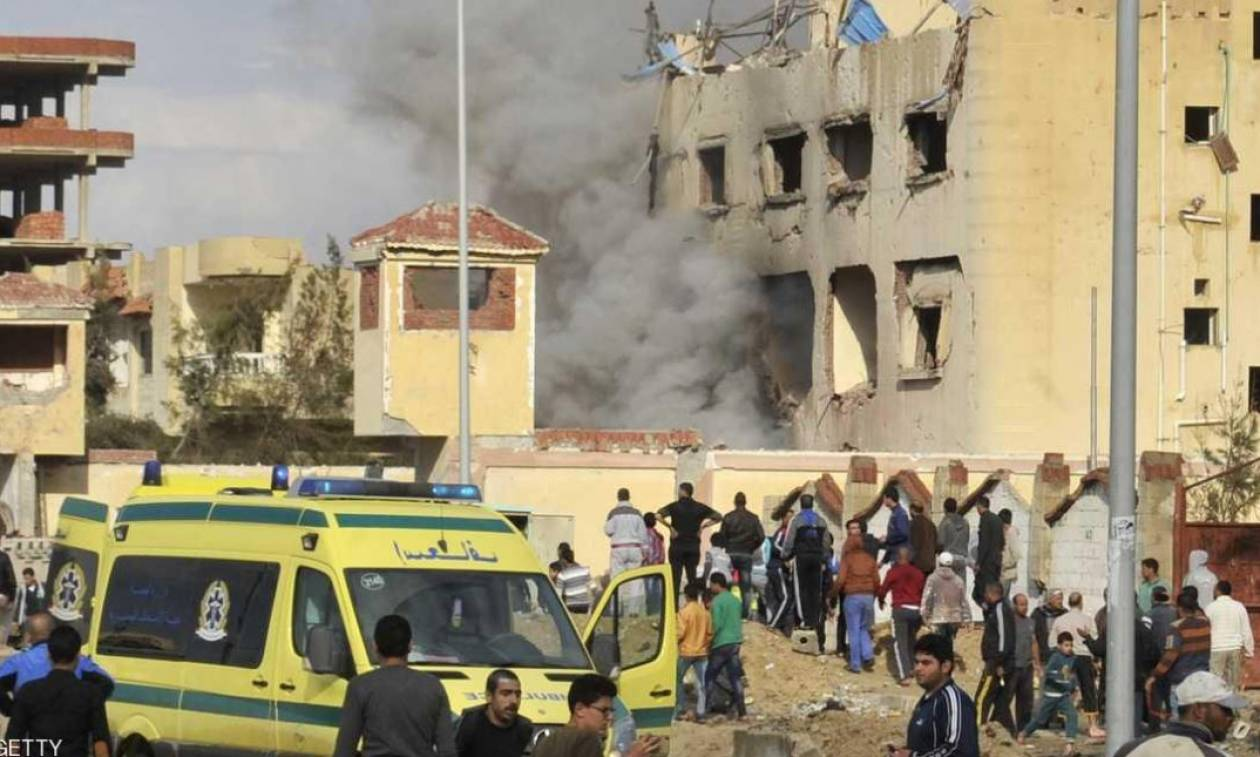 Αίγυπτος: «Λουτρό αίματος» από έκρηξη σε τέμενος – Τουλάχιστον 184 οι νεκροί