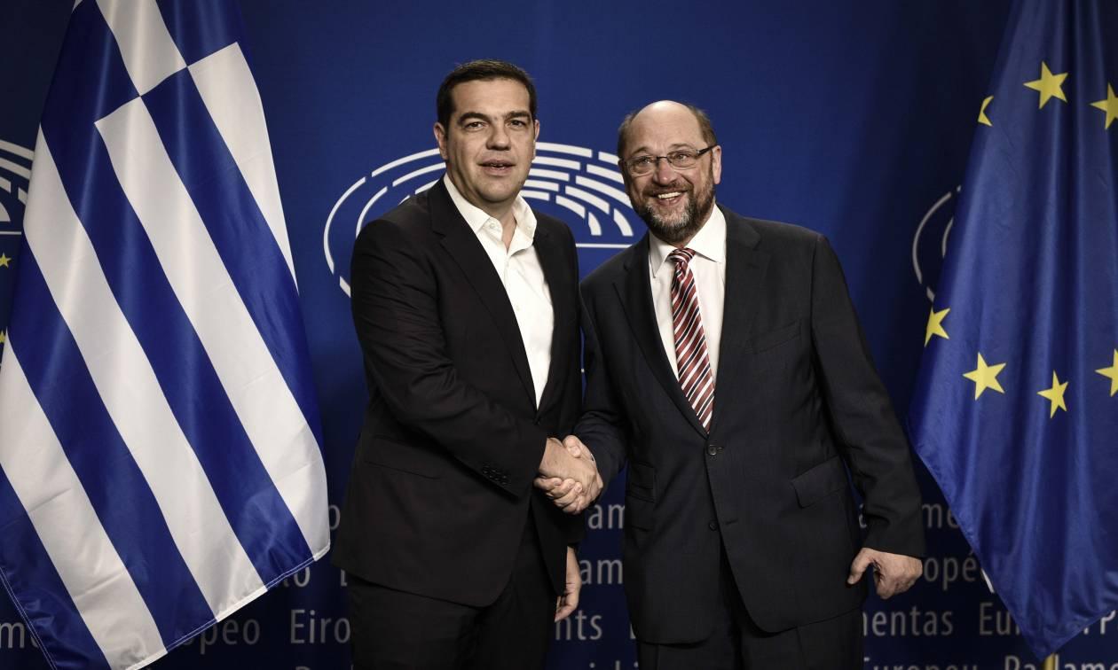 Τηλεφωνική επικοινωνία Τσίπρα - Σούλτς: Τι συζήτησαν οι δύο πολιτικοί