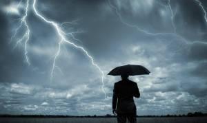 Χαλάει ο καιρός: Βροχές και ισχυρές καταιγίδες από την Κυριακή