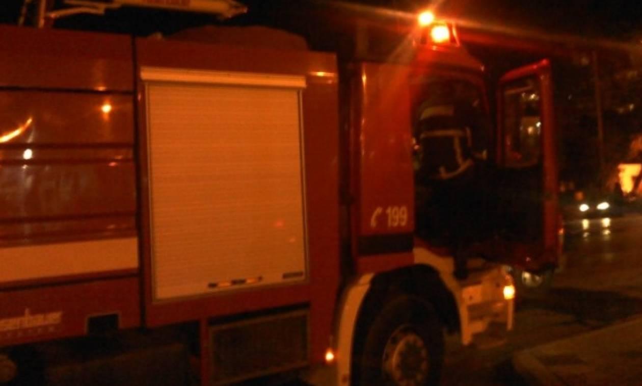 Νεκρός πατέρας από πυρκαγιά σε διαμέρισμα στη Νέα Σμύρνη - Χωρίς τις αισθήσεις τους τα παιδιά