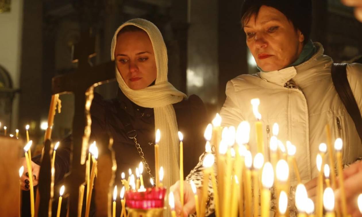 Αίγυπτος: Πένθιμα χτυπούν οι καμπάνες όλων των χριστιανικών εκκλησιών της χώρας