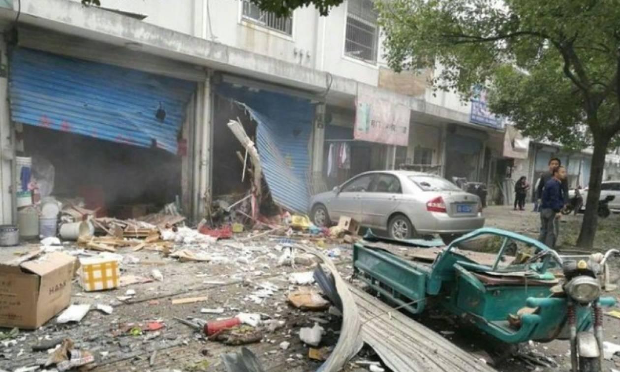 Ισχυρή έκρηξη σε εργοστάσιο στην Κίνα – Αναφορές για πολλά θύματα (vid)