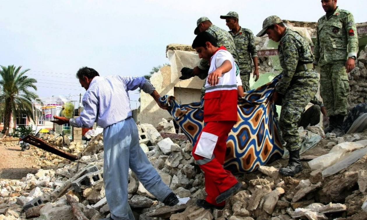 Τραγωδία χωρίς τέλος στο Ιράν: Αυξήθηκε ο αριθμός των νεκρών από το φονικό σεισμό 7,3 Ρίχτερ